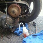 エンジンはかかるが後輪辺りから異音がする原因。ギアオイル交換