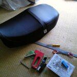 破れたシート張替えはとっても簡単! スズキ GSX400 インパルス
